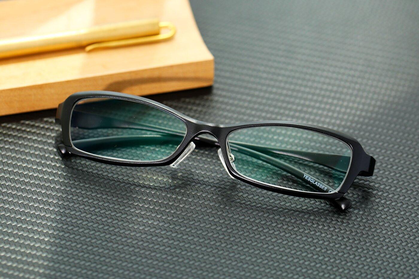 Black Magnesium Alloy Rectangle Full-Rim Eyeglasses