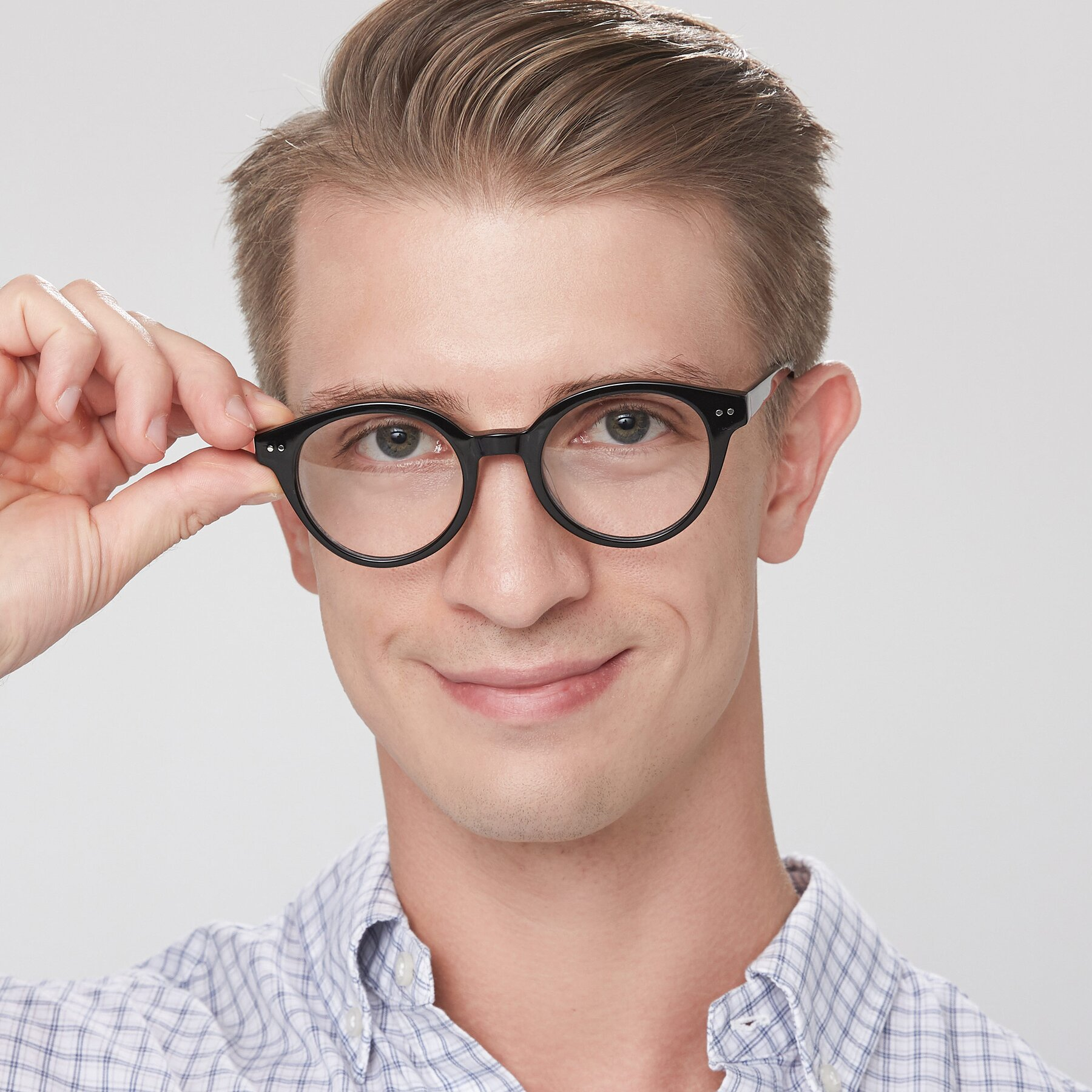 Men's lifestyle photography of 17277 in Black with Clear Eyeglass Lenses