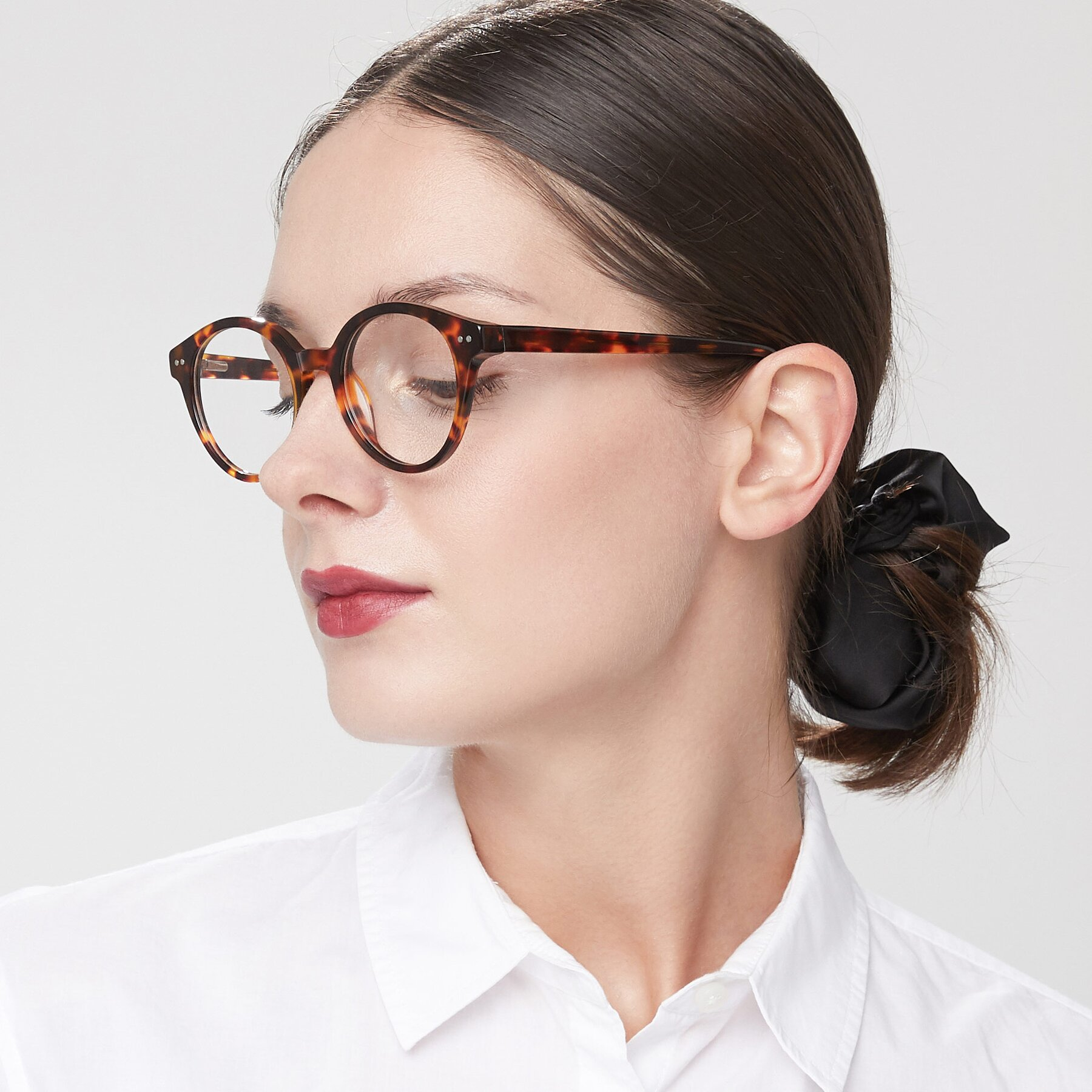 Women's lifestyle photography of 17277 in Tortoise with Clear Blue Light Blocking Lenses