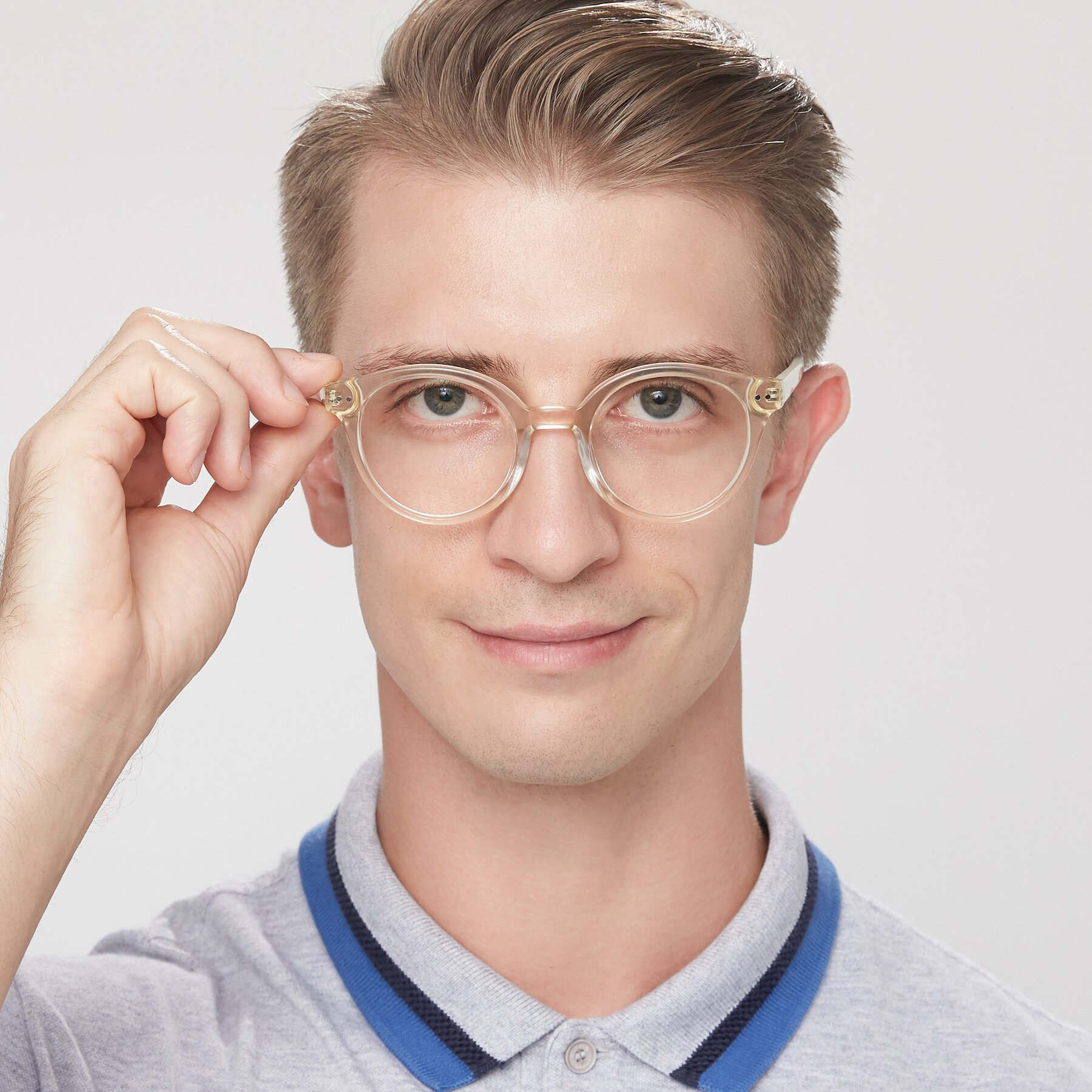 Men's lifestyle photography of 17277 in Transparent Beige with Clear Eyeglass Lenses