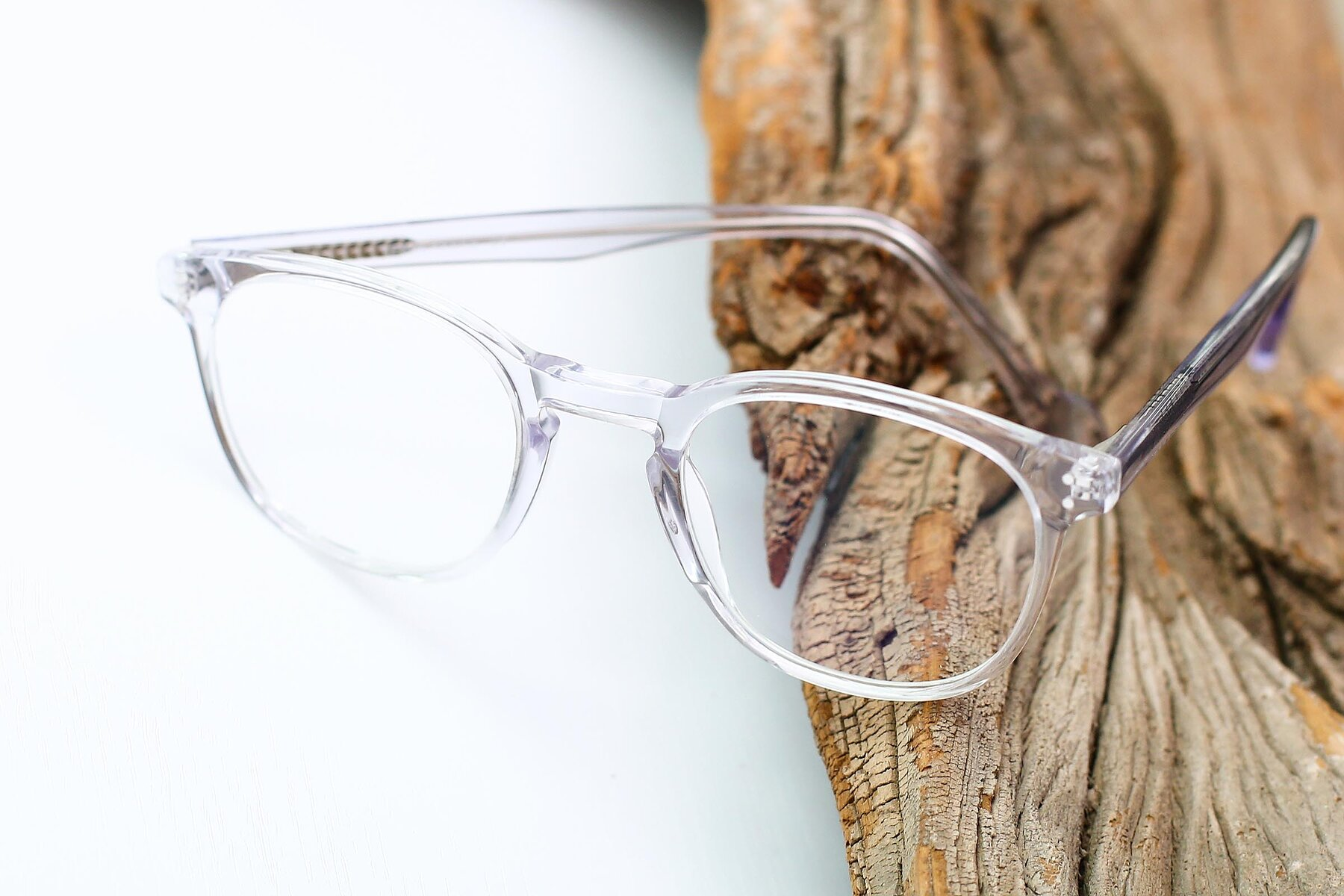 Lifestyle photography #2 of 17293 in Clear with Clear Eyeglass Lenses