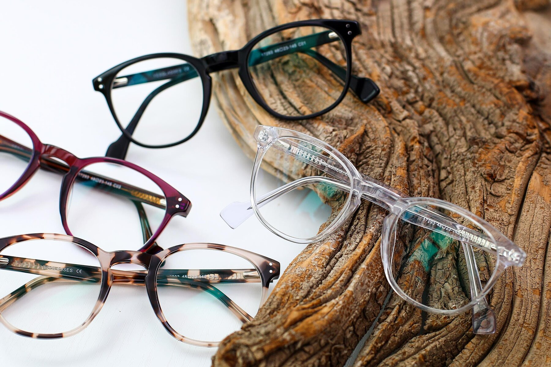 Lifestyle photography #4 of 17293 in Clear with Clear Eyeglass Lenses