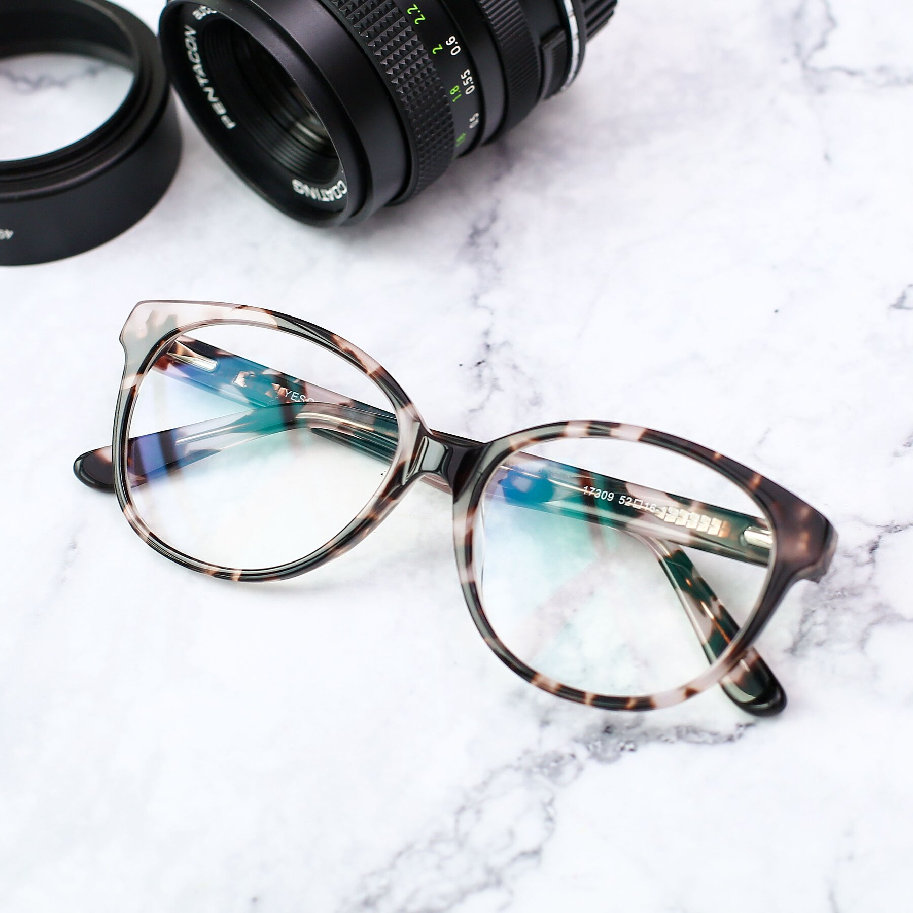 Lifestyle photography #1 of 17309 in Tortoise Honey with Clear Eyeglass Lenses