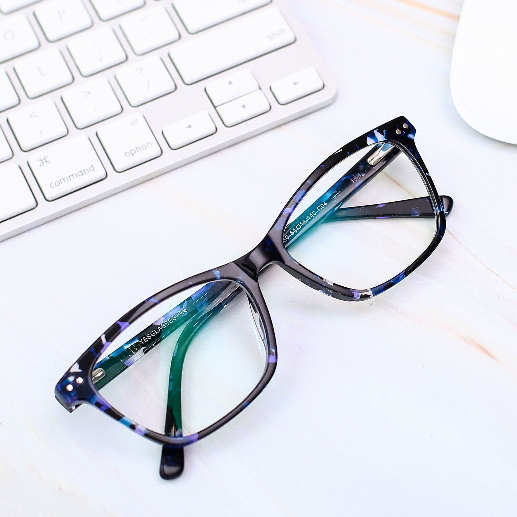 Lifestyle photography #1 of 17350 in Tortoise Blue with Clear Eyeglass Lenses