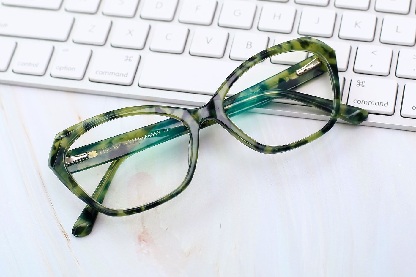 Floral Green Horn-Rimmed Butterfly Geometric Eyeglasses