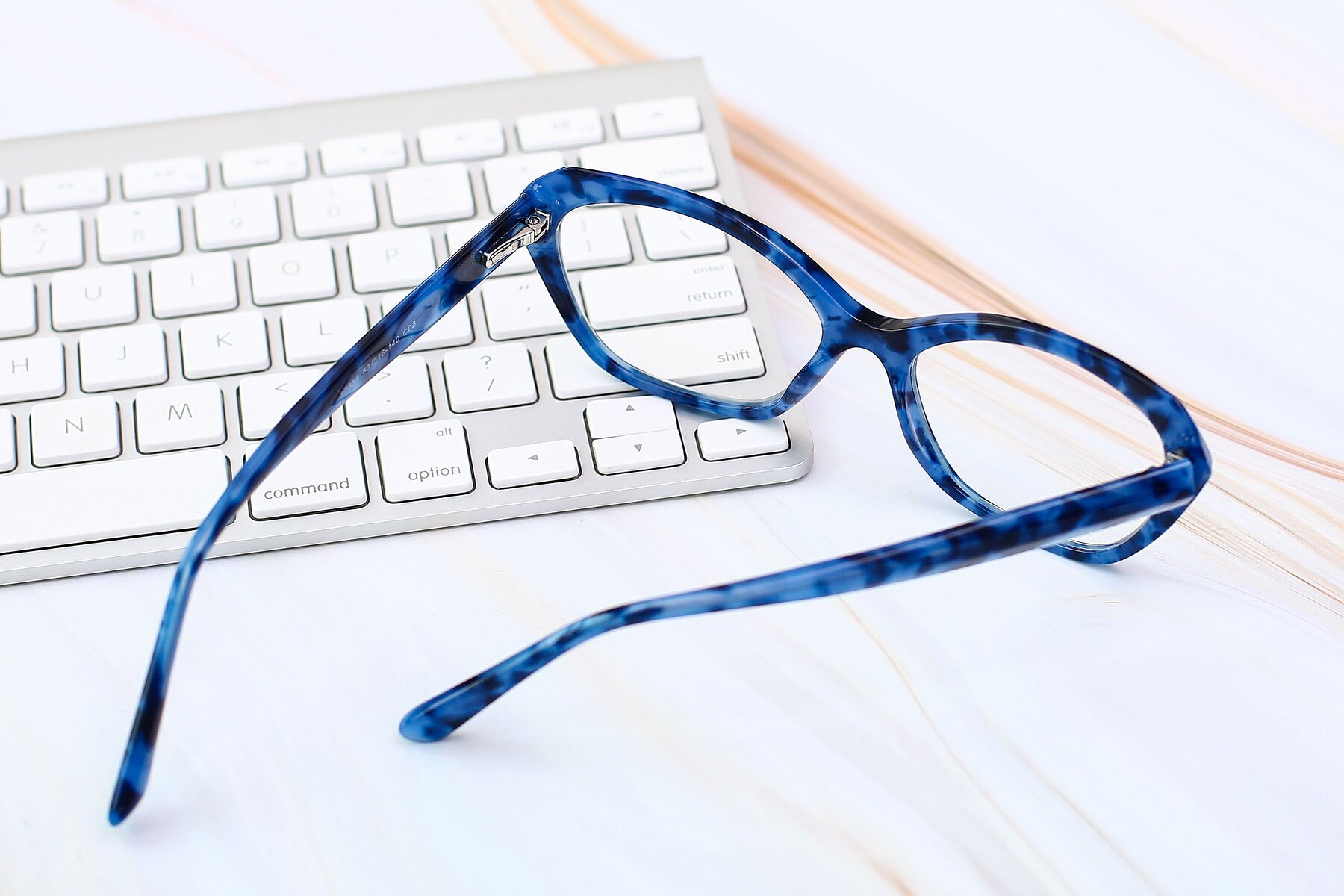 Lifestyle photography #3 of 17351 in Floral Blue with Clear Eyeglass Lenses