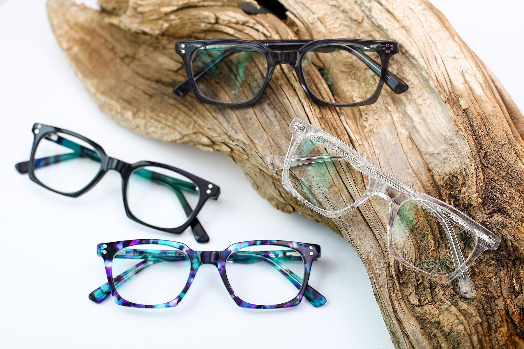 Lifestyle photography #4 of 17355 in Clear with Clear Eyeglass Lenses