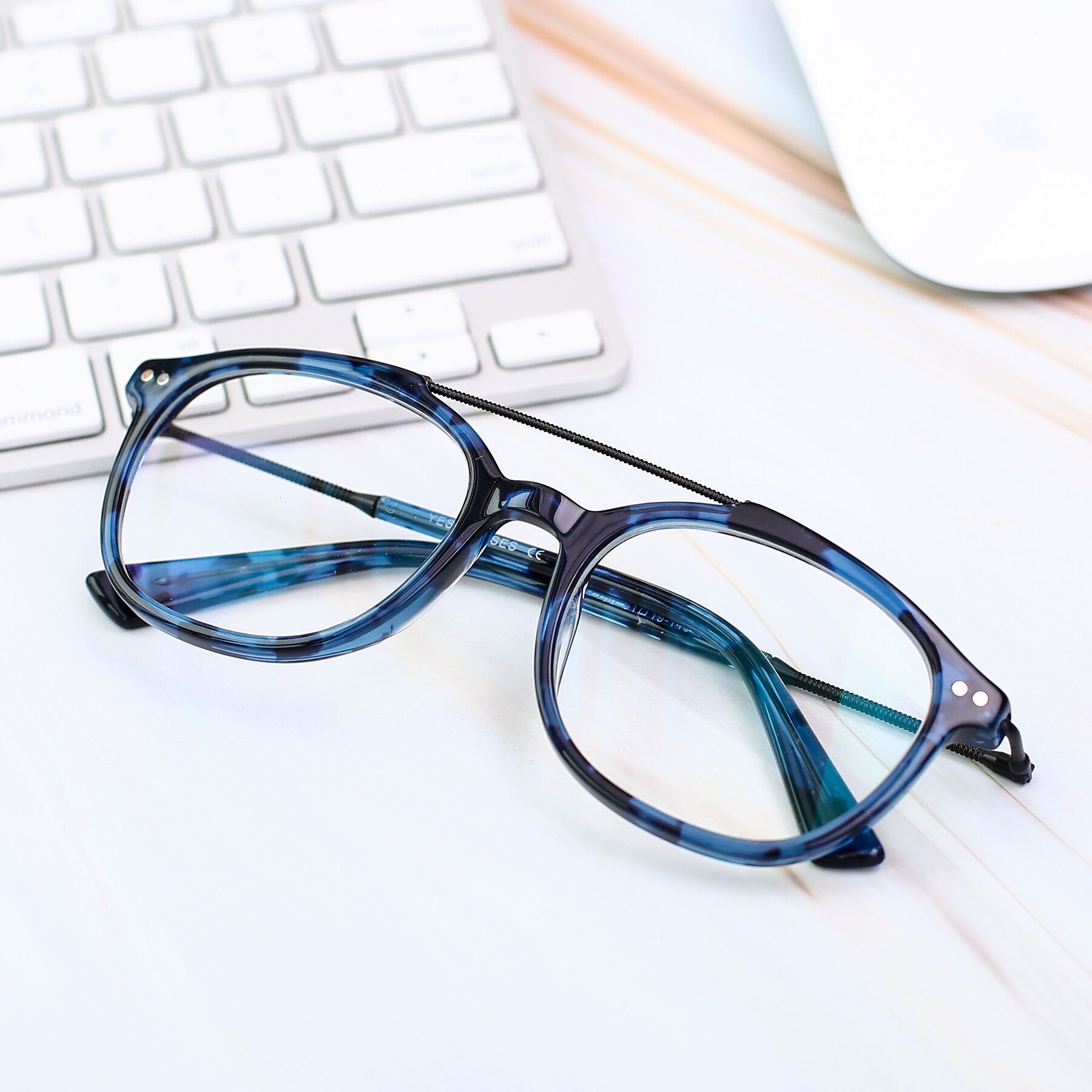 Men's lifestyle photography #1 of 17150 in Tortoise Blue with Clear Eyeglass Lenses