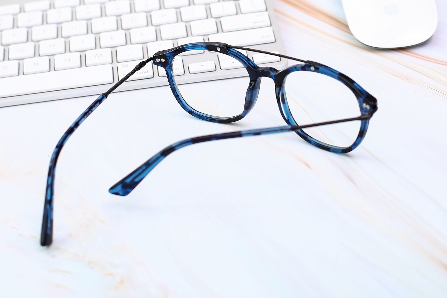 Men's lifestyle photography #3 of 17150 in Tortoise Blue with Clear Eyeglass Lenses