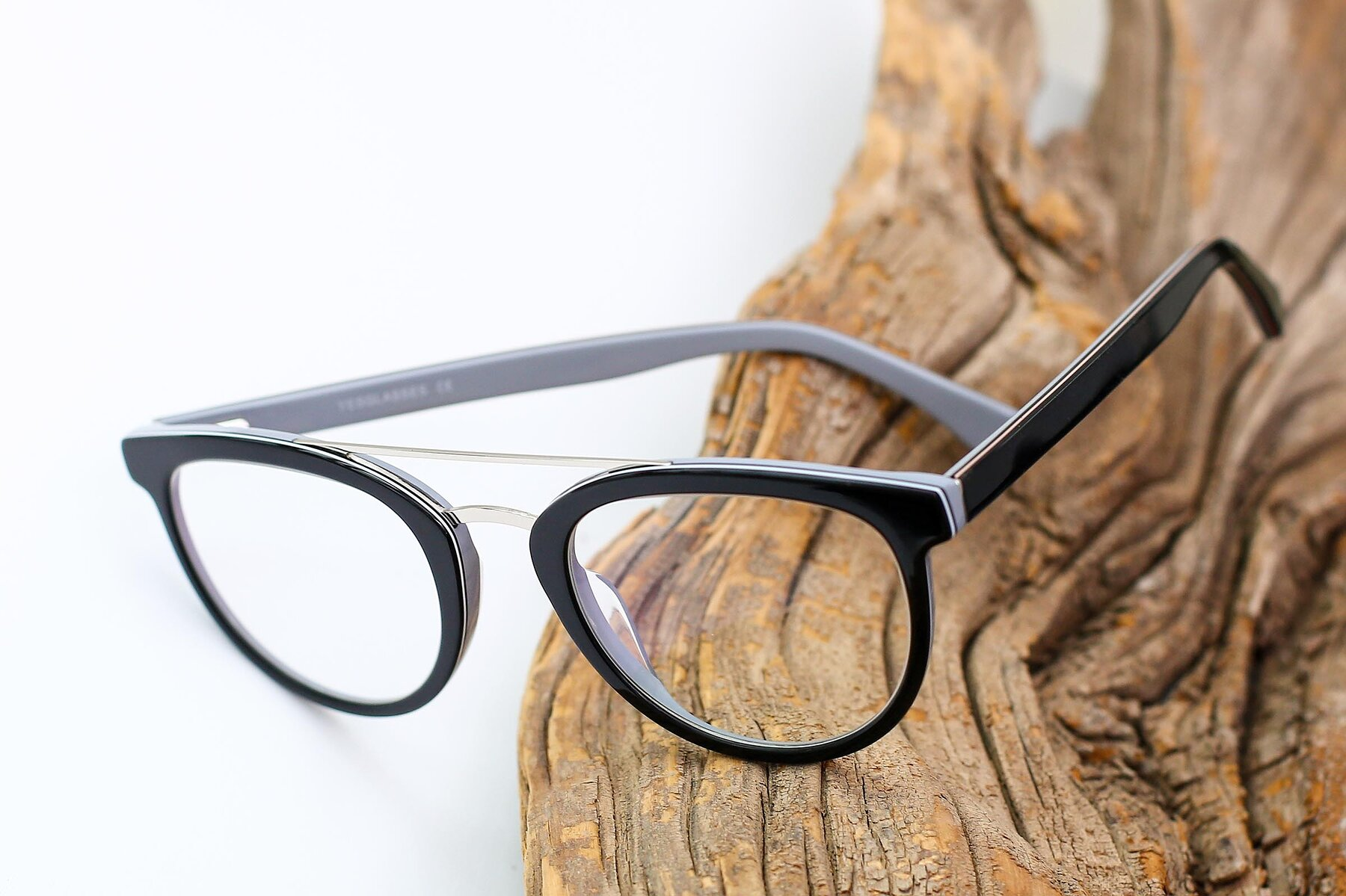 Lifestyle photography #2 of 17151 in Black-Silver with Clear Eyeglass Lenses
