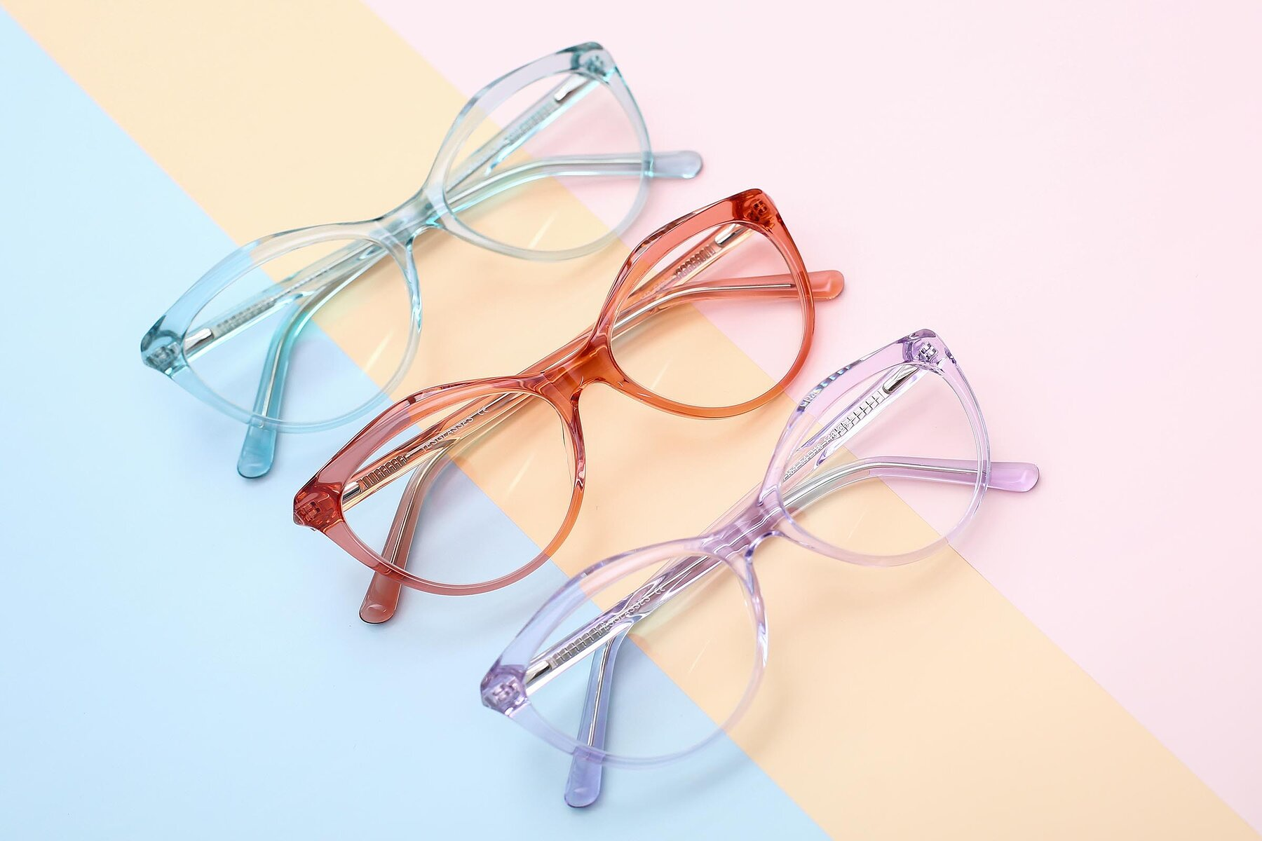 Women's lifestyle photography #4 of 17154 in Transparent Red with Clear Eyeglass Lenses