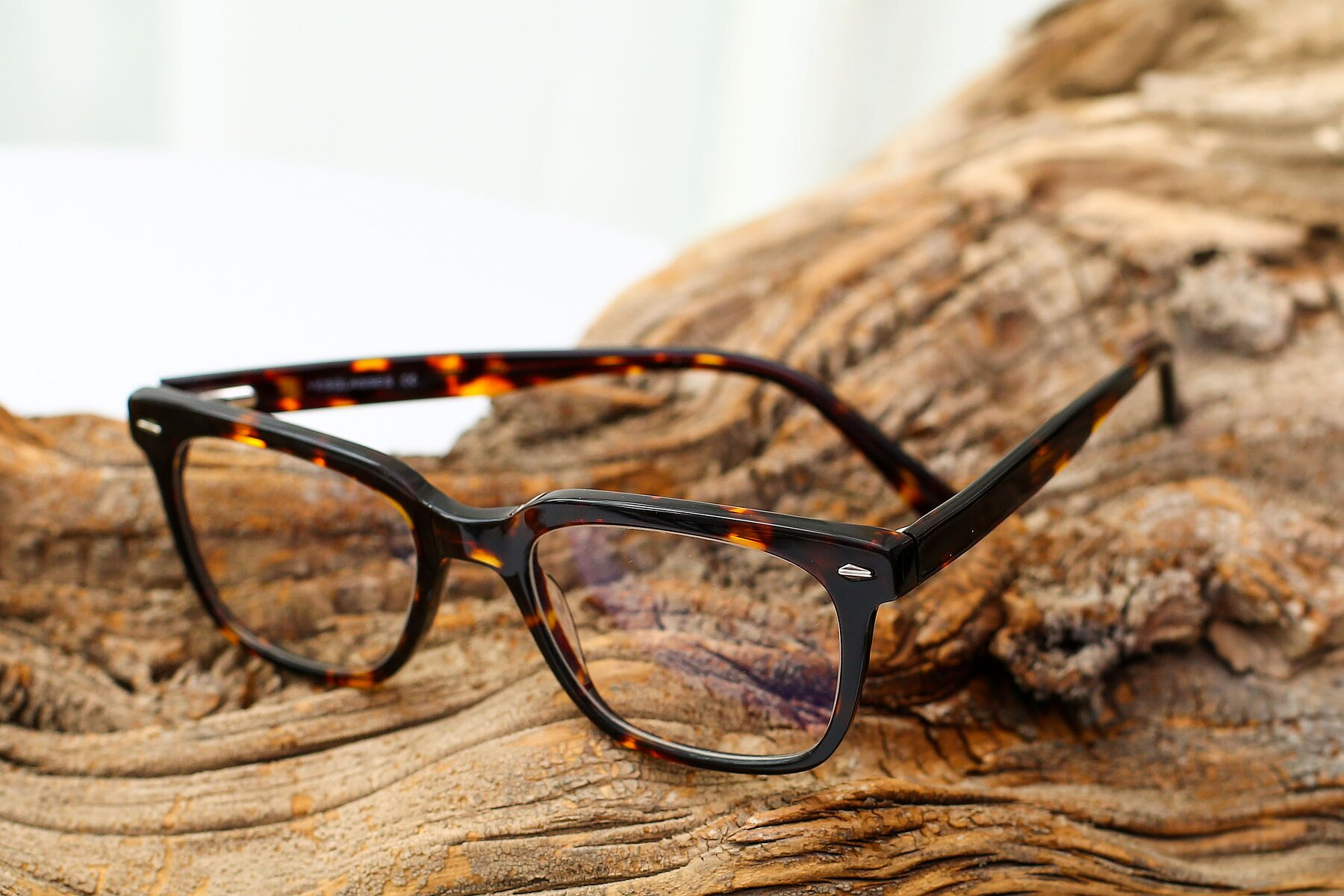 Men's lifestyle photography #2 of 17165 in Tortoise with Clear Blue Light Blocking Lenses