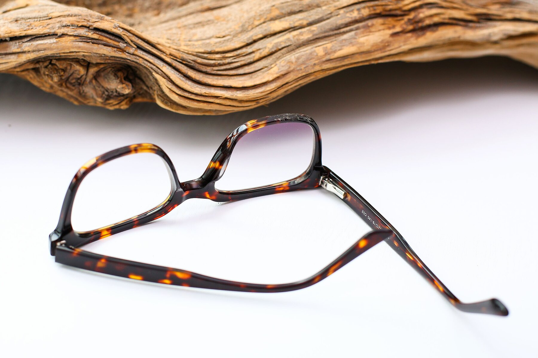 Men's lifestyle photography #3 of 17165 in Tortoise with Clear Blue Light Blocking Lenses