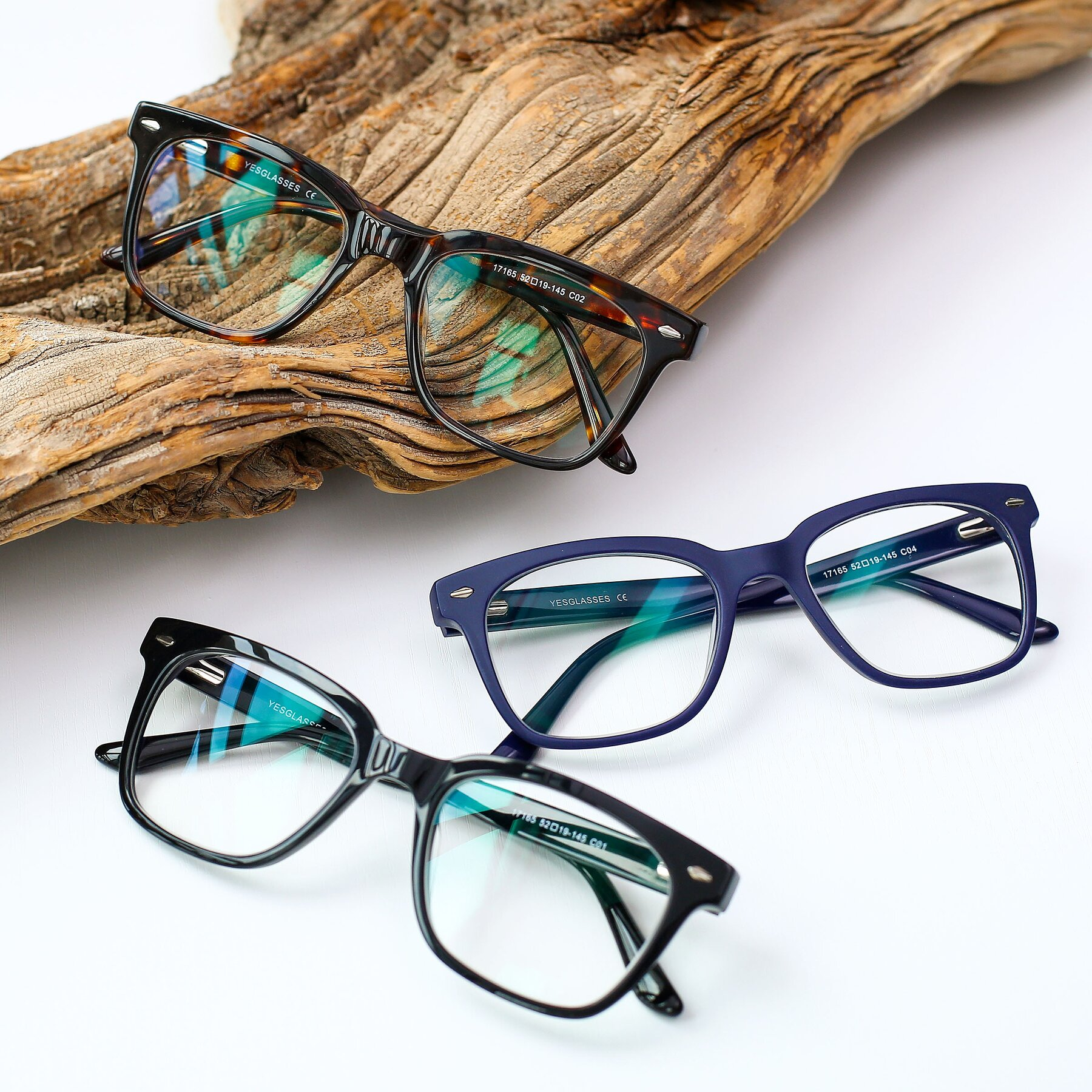 Men's lifestyle photography #4 of 17165 in Tortoise with Clear Blue Light Blocking Lenses