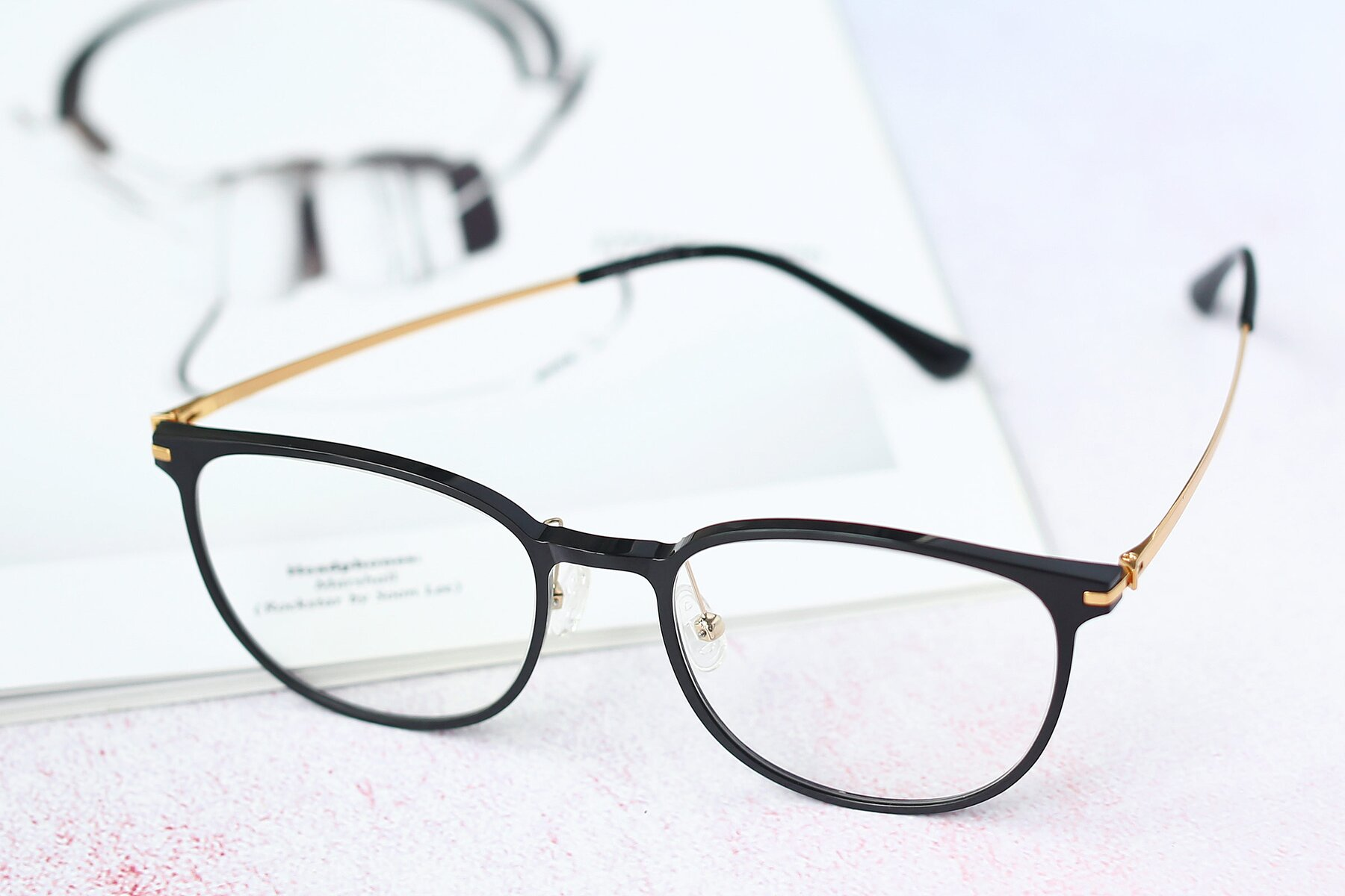 Lifestyle photography #2 of S3027 in Black with Clear Eyeglass Lenses