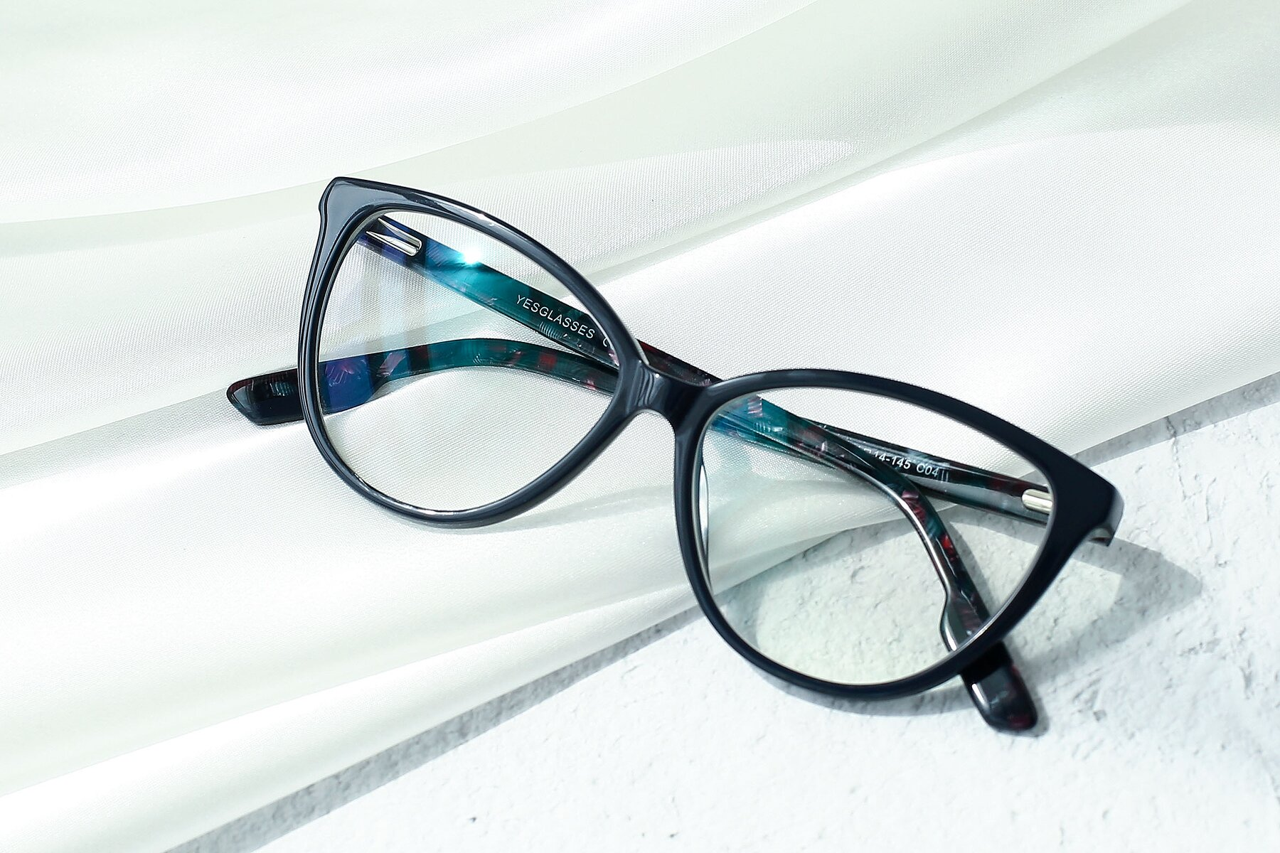 Lifestyle photography #1 of 17324 in Dark Blue with Clear Eyeglass Lenses
