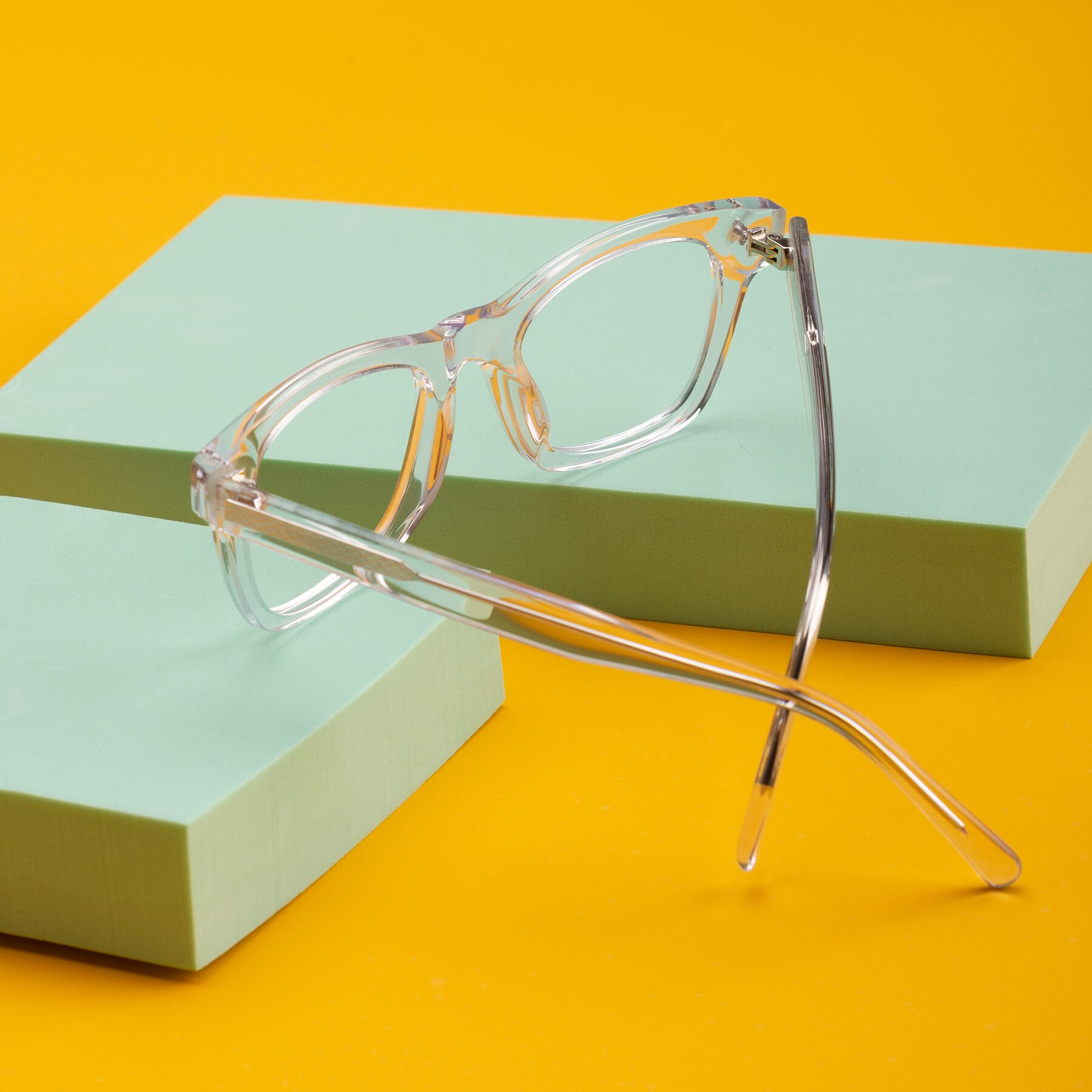 Lifestyle photography #2 of 17329 in Clear with Clear Eyeglass Lenses