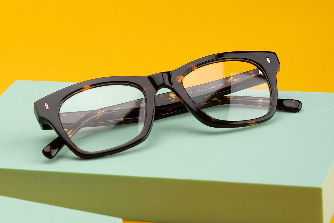 Tortoise Brown Geek-Chic Horn-Rimmed Square Eyeglasses