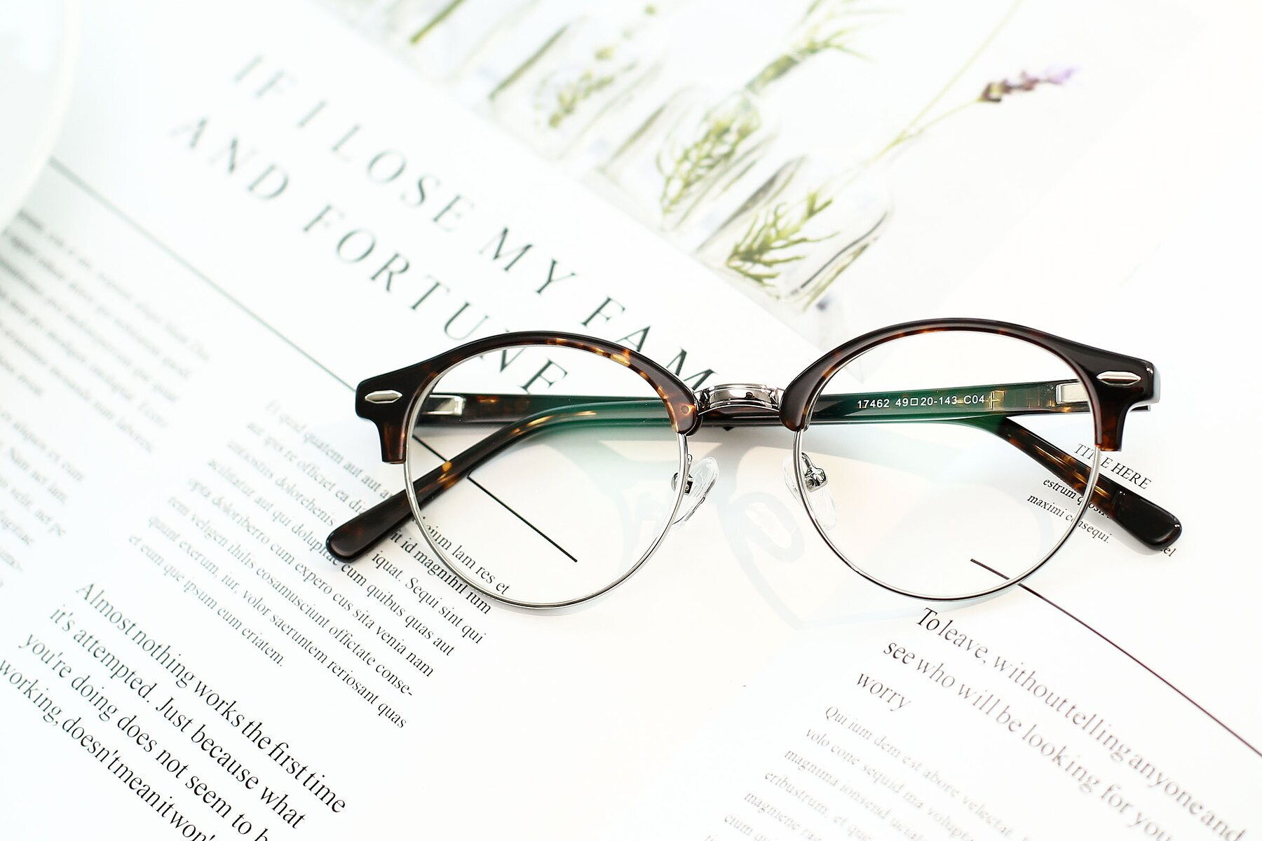 Lifestyle photography #1 of 17462 in Tortoise-Silver with Clear Eyeglass Lenses