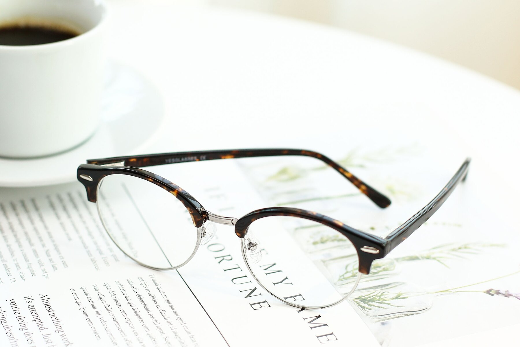 Lifestyle photography #2 of 17462 in Tortoise-Silver with Clear Eyeglass Lenses