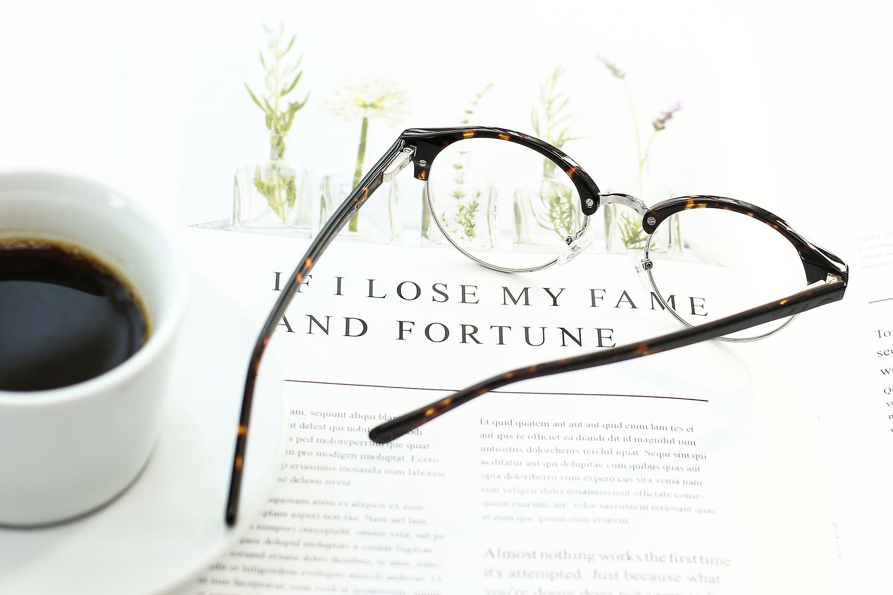 Lifestyle photography #3 of 17462 in Tortoise-Silver with Clear Eyeglass Lenses
