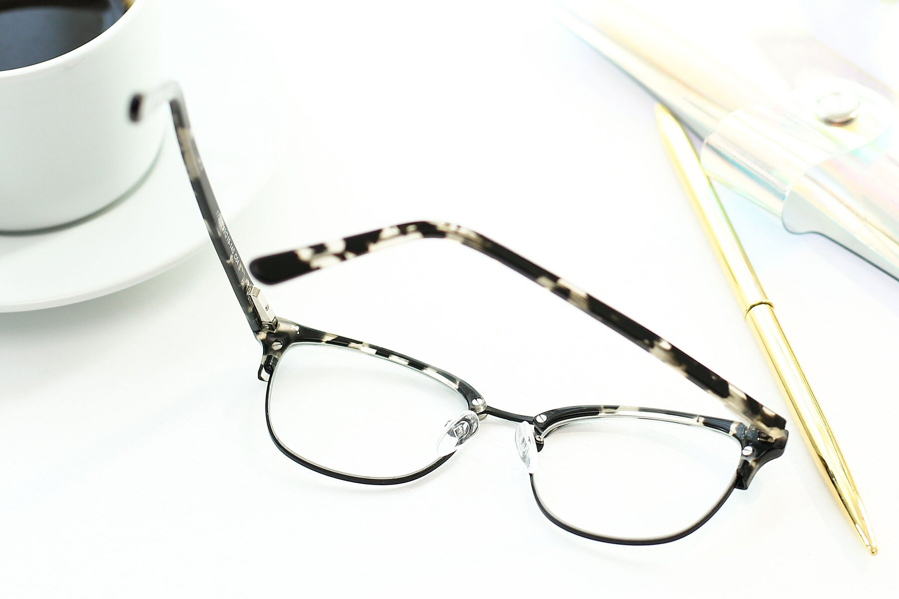 Lifestyle photography #3 of 17463 in Black-Tortoise with Clear Eyeglass Lenses