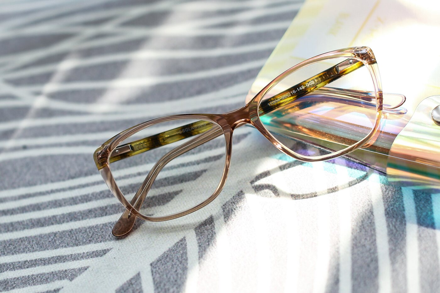 Transparent Caramel Geek-Chic Acetate Butterfly Eyeglasses