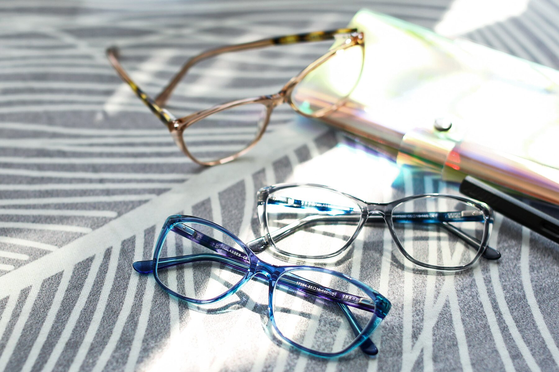 Lifestyle photography #4 of 17384 in Transparent Blue with Clear Eyeglass Lenses