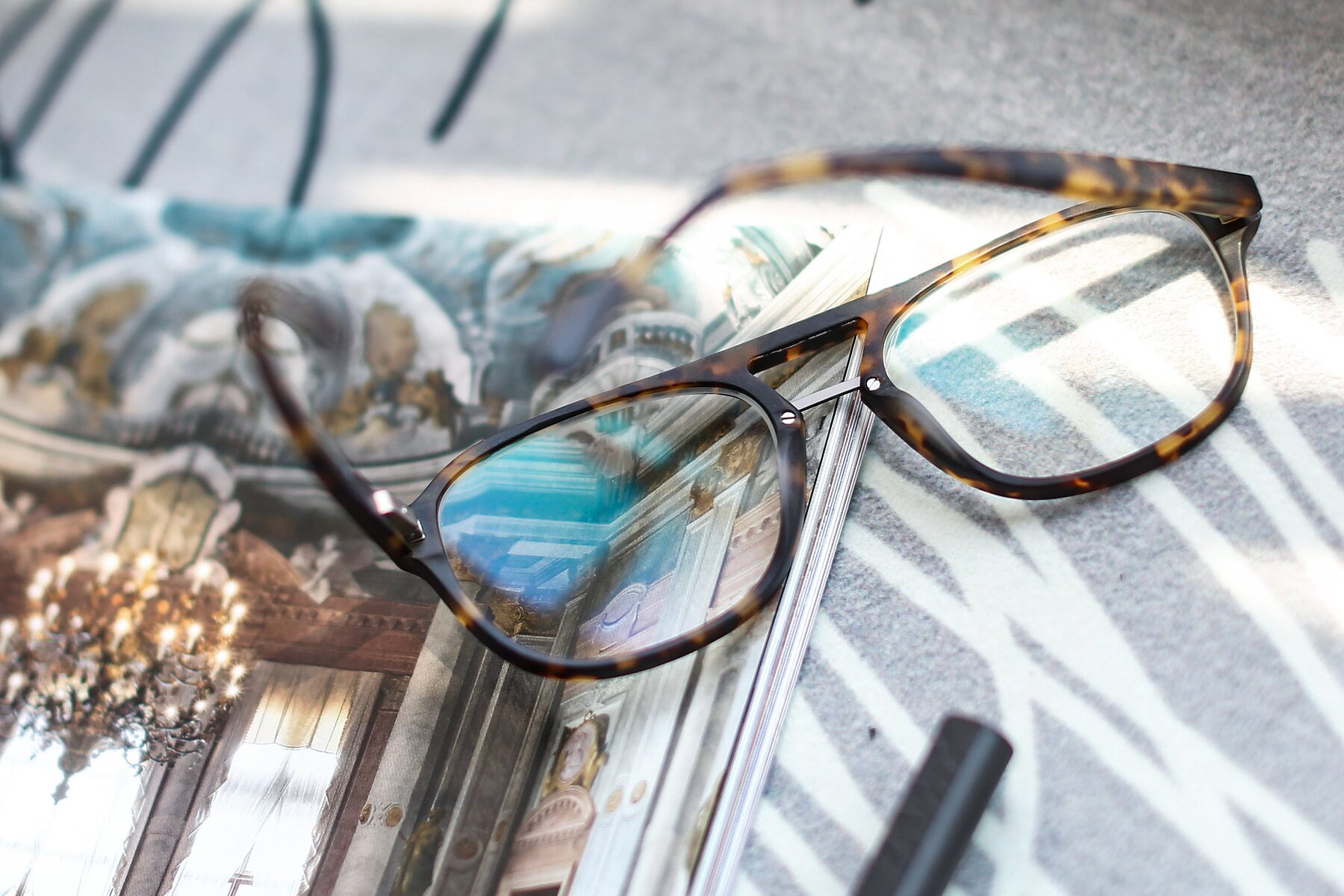 Lifestyle photography #2 of 17416 in Matt Tortoise with Clear Eyeglass Lenses