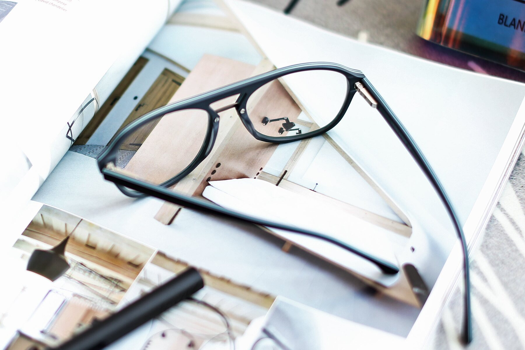 Lifestyle photography #2 of 17416 in Matt Black with Clear Eyeglass Lenses