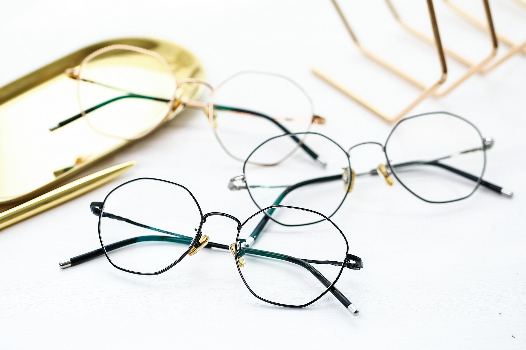 Lifestyle photography #4 of 90059 in Black with Clear Eyeglass Lenses