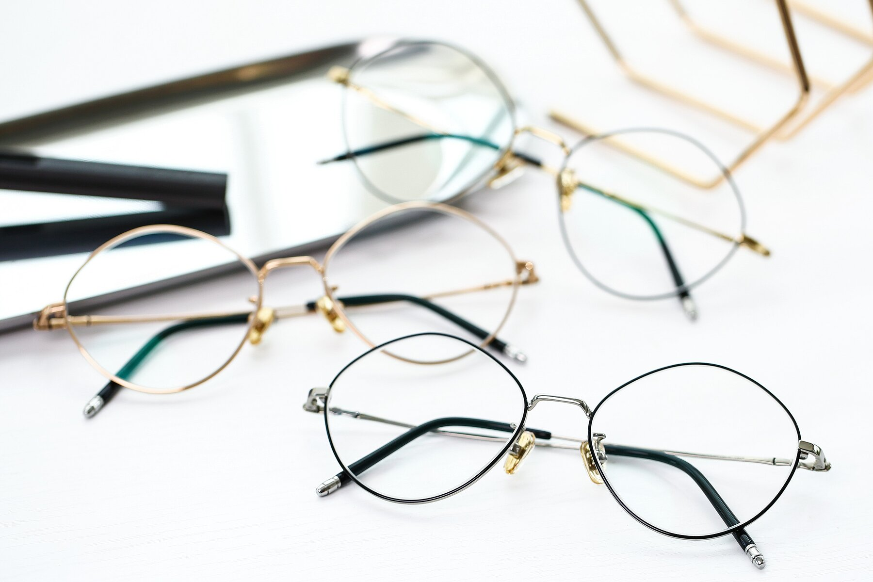 Lifestyle photography #4 of 90029 in Black-Silver with Clear Eyeglass Lenses