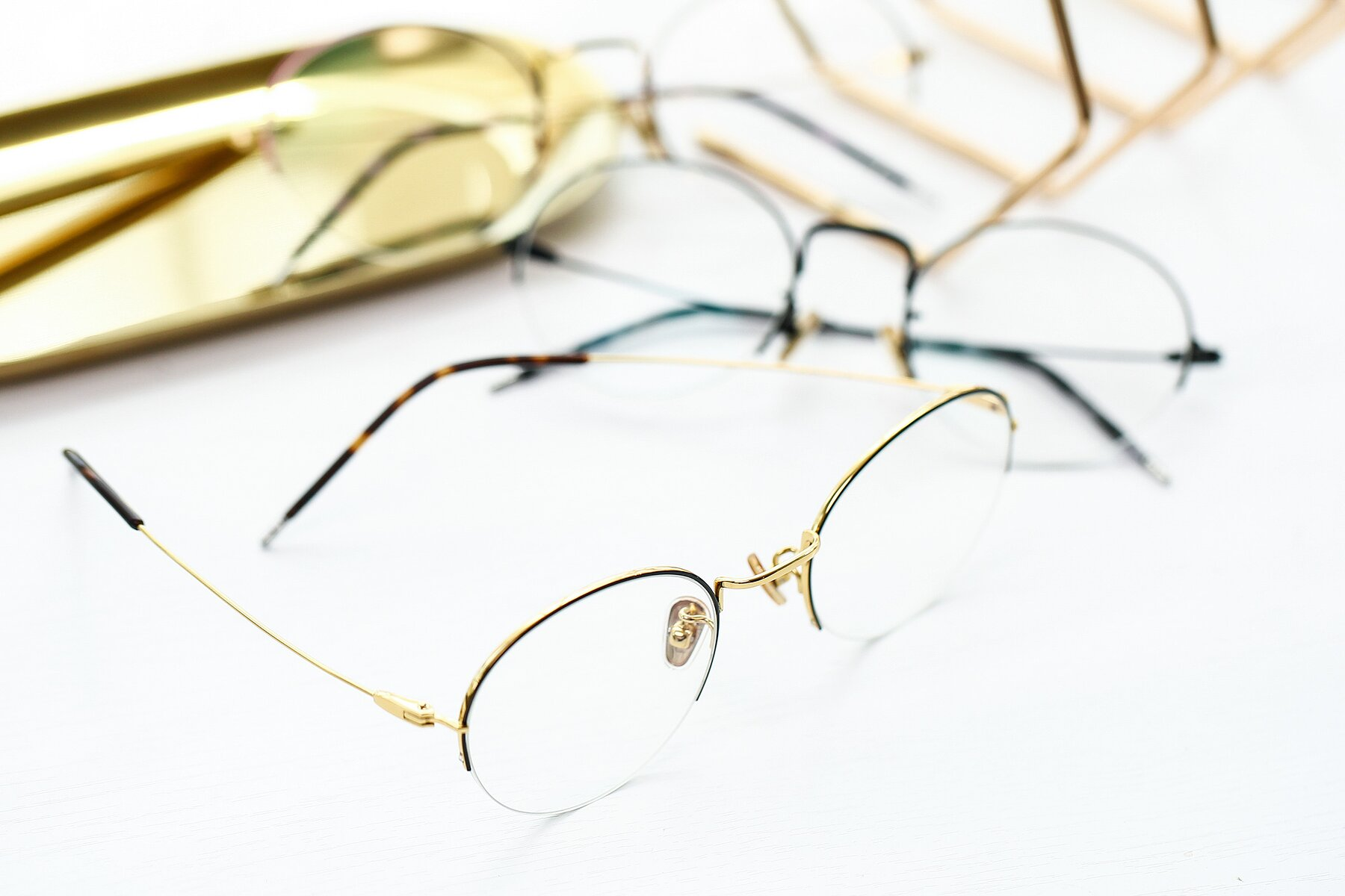 Lifestyle photography #4 of 80039 in Black-Gold with Clear Eyeglass Lenses
