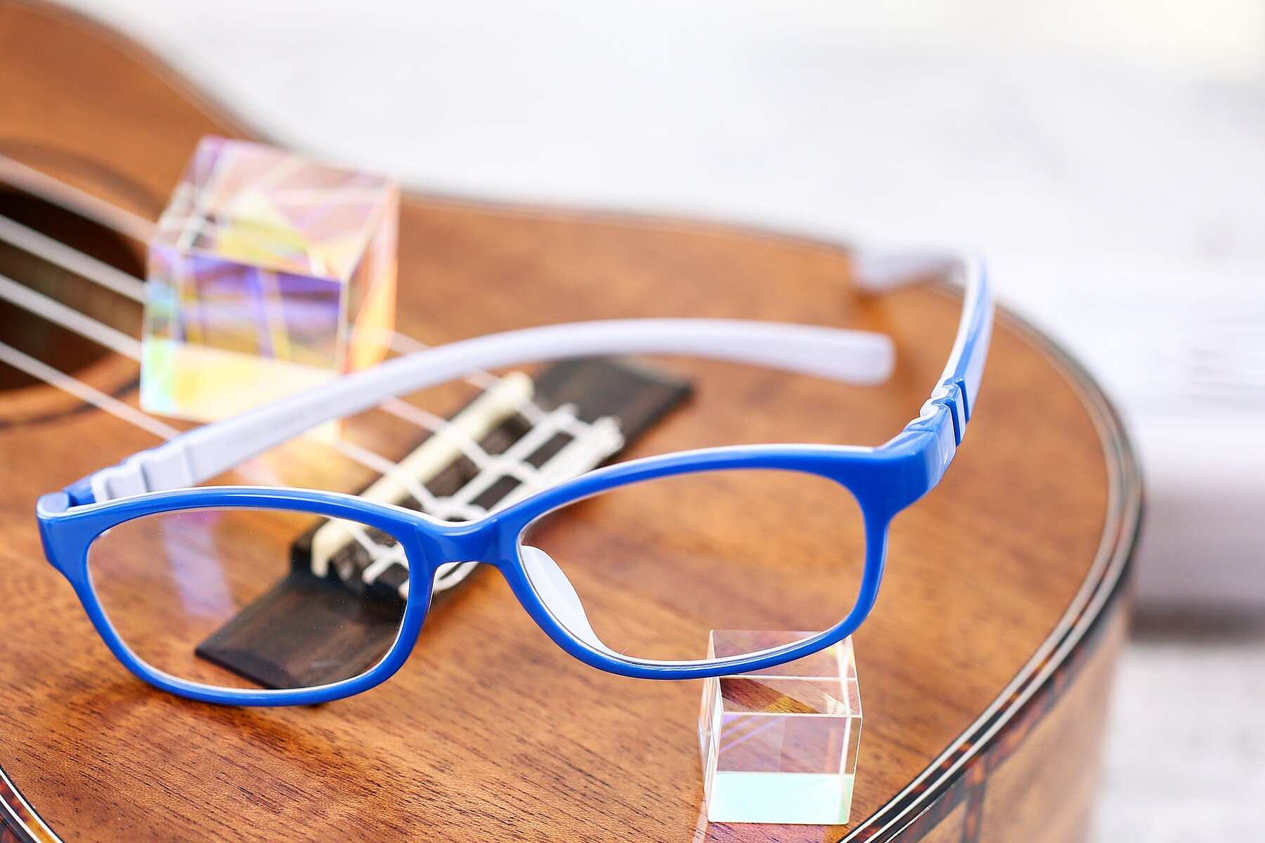 Lifestyle photography #2 of 556 in Blue-Gray with Clear Blue Light Blocking Lenses