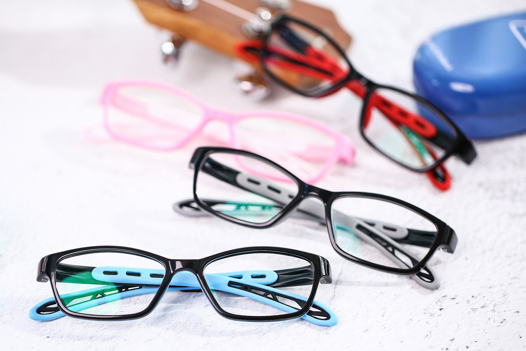 Lifestyle photography #4 of 1075 in Black-Blue with Clear Eyeglass Lenses