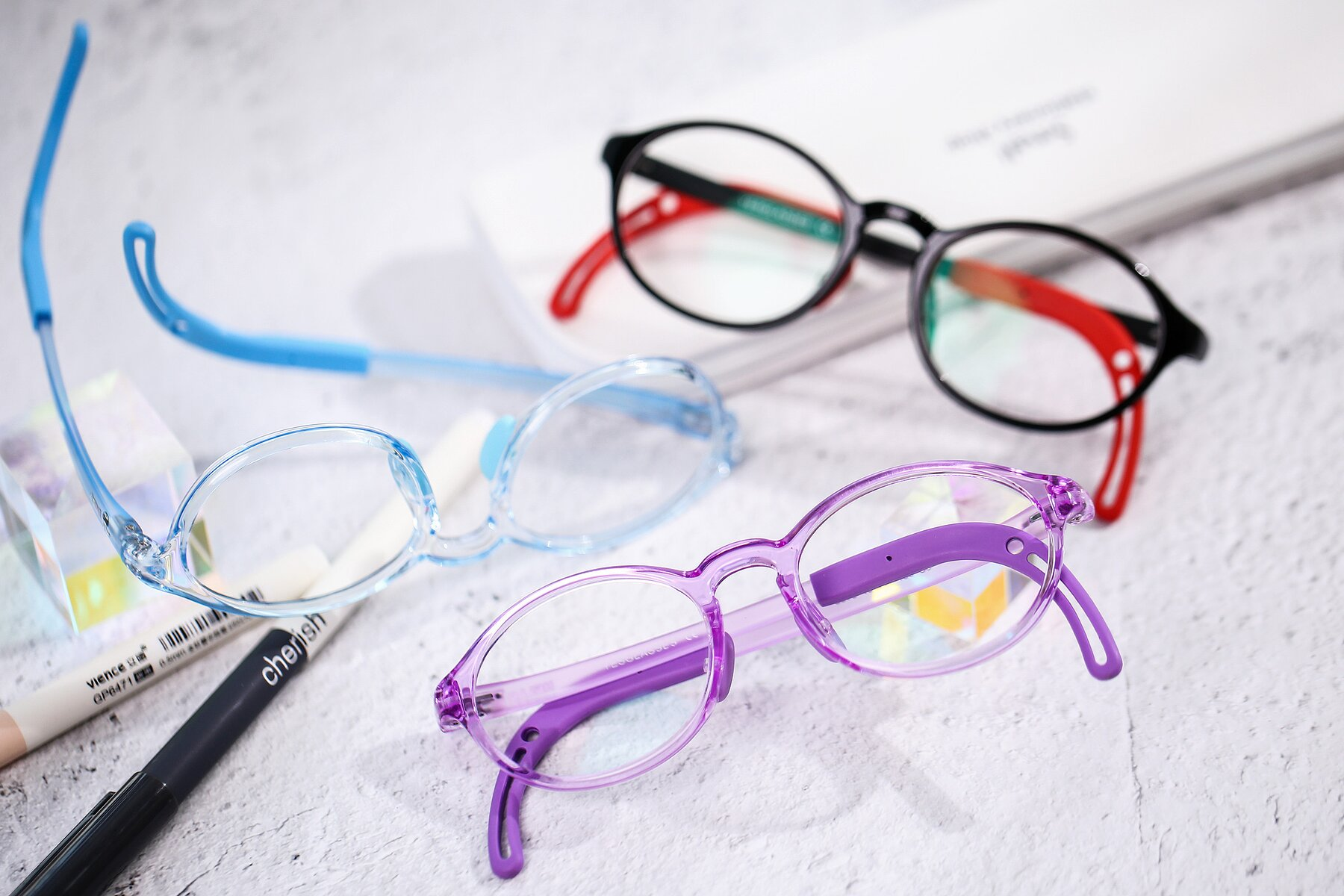 Lifestyle photography #4 of 8373 in Tranparent Purple with Clear Blue Light Blocking Lenses