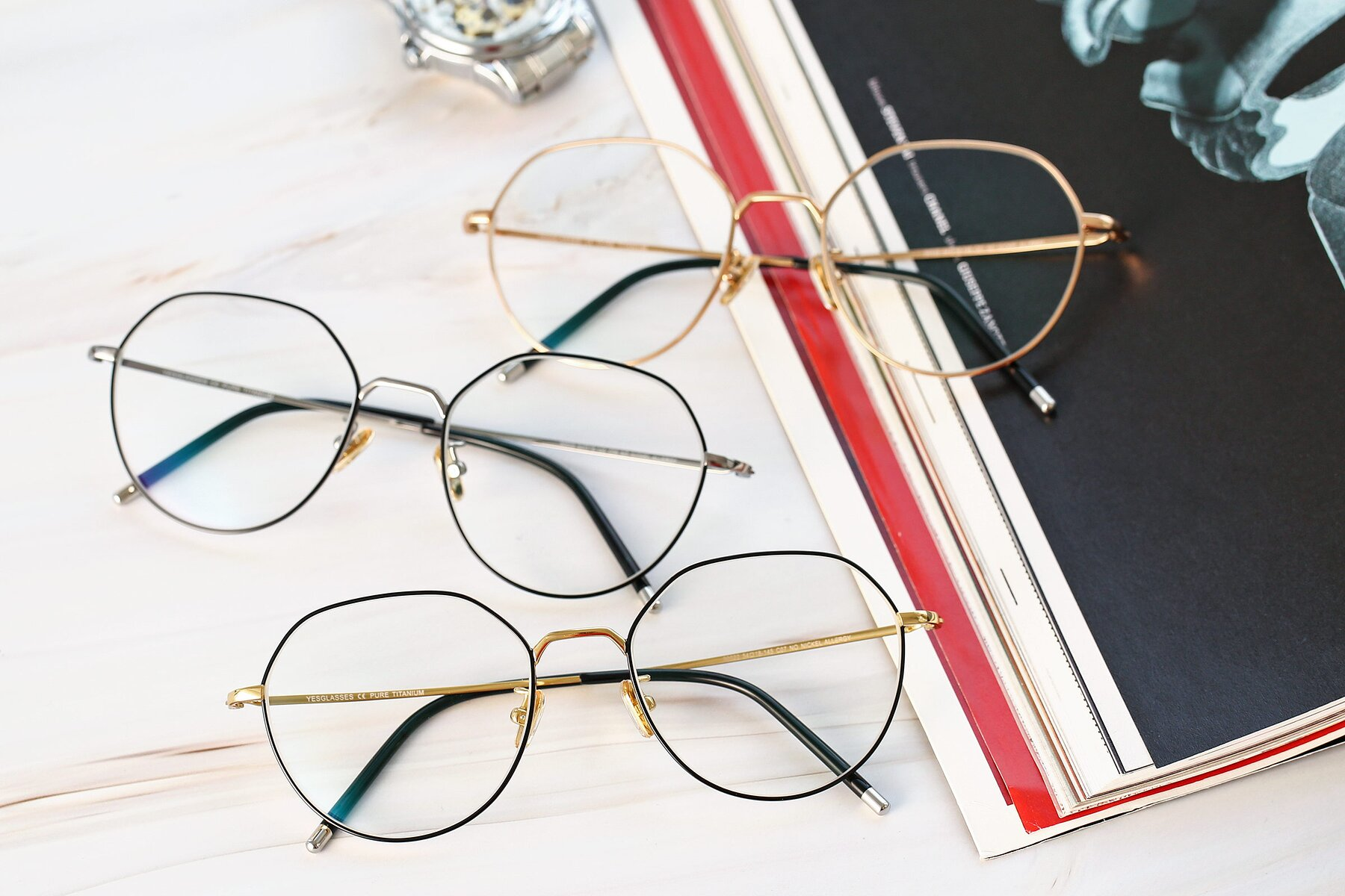 Lifestyle photography #4 of 90022 in Black-Gold with Clear Eyeglass Lenses