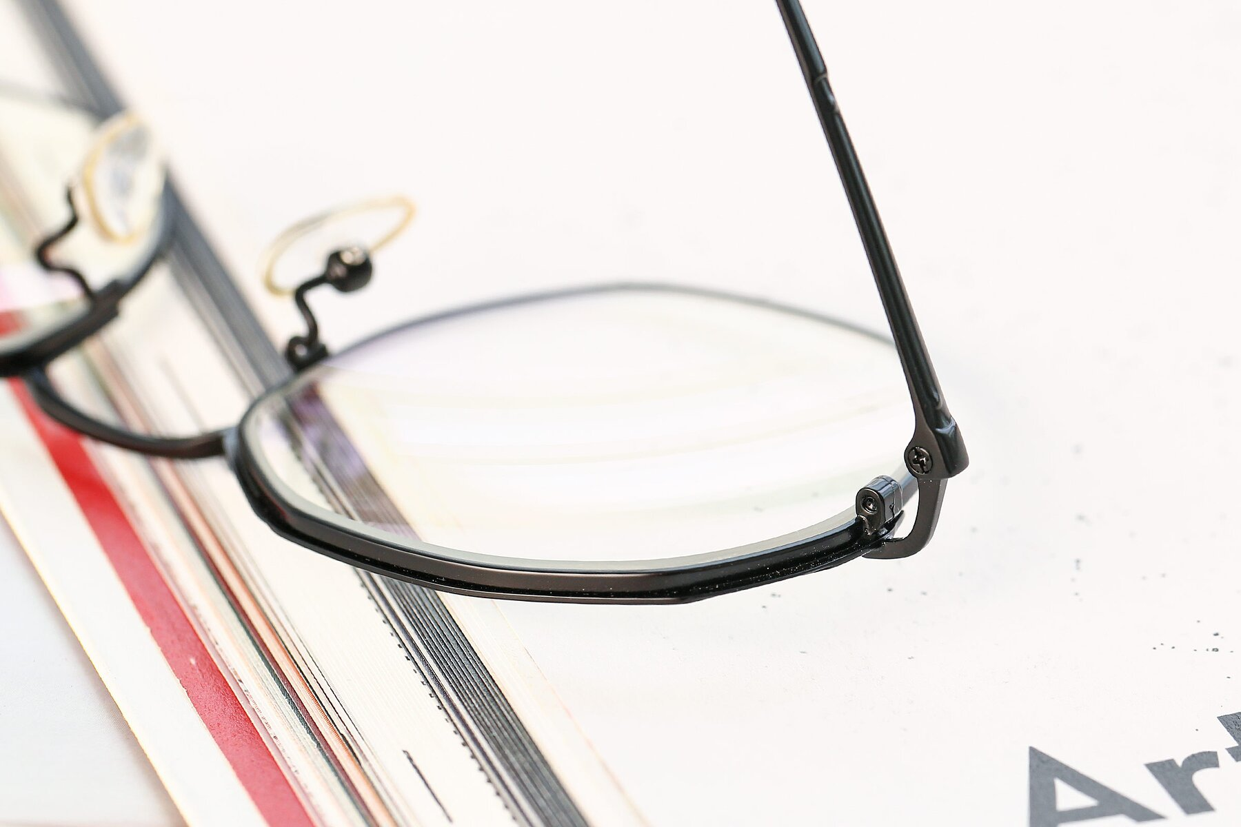 Lifestyle photography #3 of 18020 in Black with Clear Eyeglass Lenses