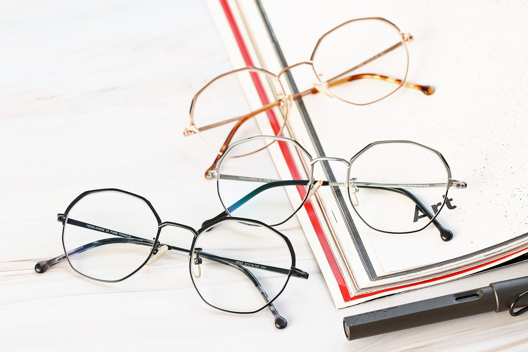 Lifestyle photography #4 of 18020 in Black with Clear Eyeglass Lenses