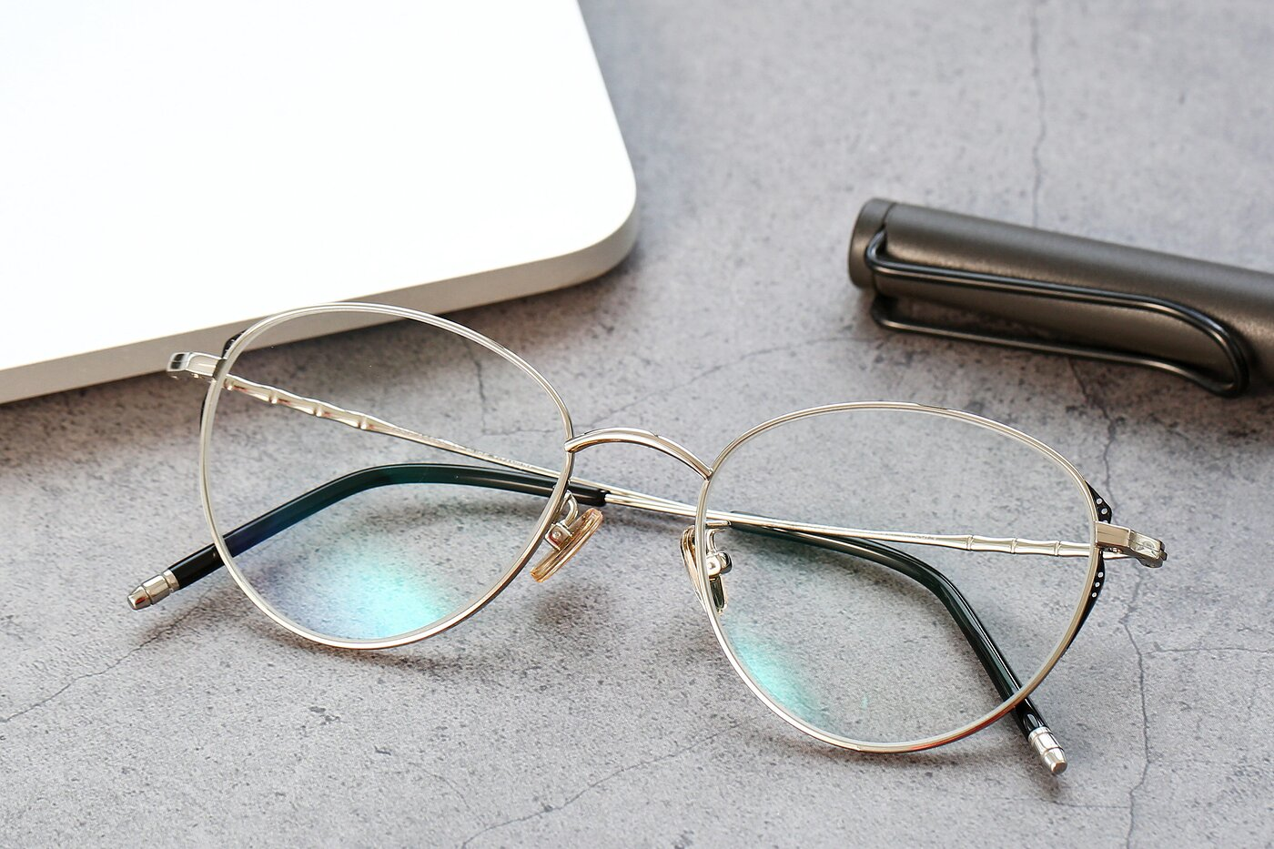 Silver Retro-Vintage Titanium Cat-Eye Eyeglasses