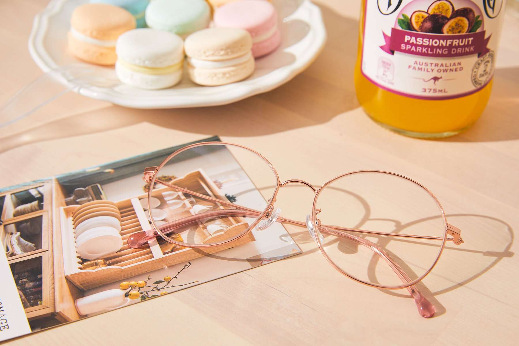 Lifestyle photography #1 of Dallas in Rose Gold with Clear Eyeglass Lenses