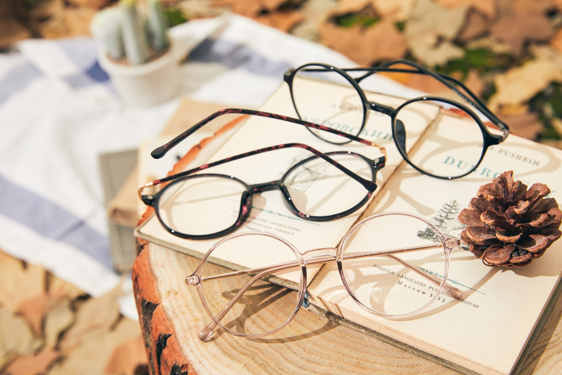 Lifestyle photography #4 of 12026 in Amber with Clear Eyeglass Lenses
