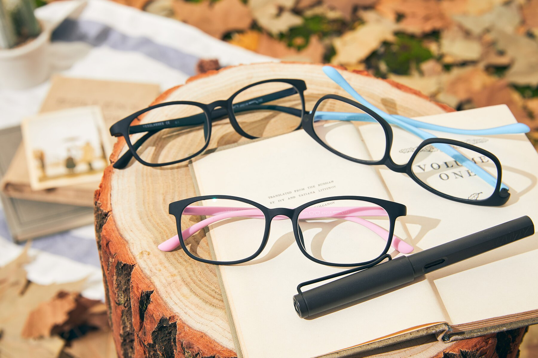 Women's lifestyle photography #4 of 9805 in Matte Black-Pink with Clear Eyeglass Lenses