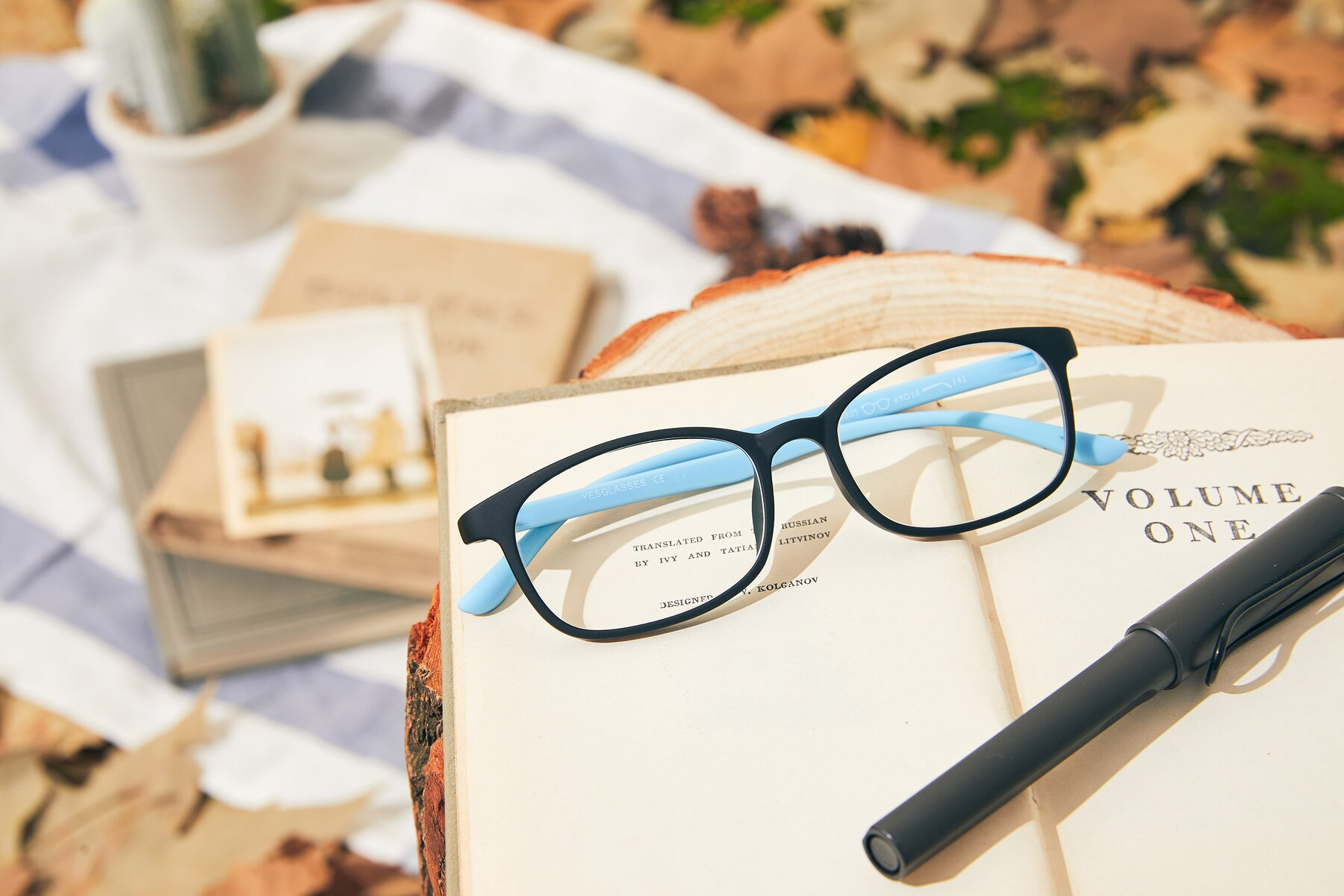 Lifestyle photography #1 of 9805 in Matte Black-Blue with Clear Eyeglass Lenses