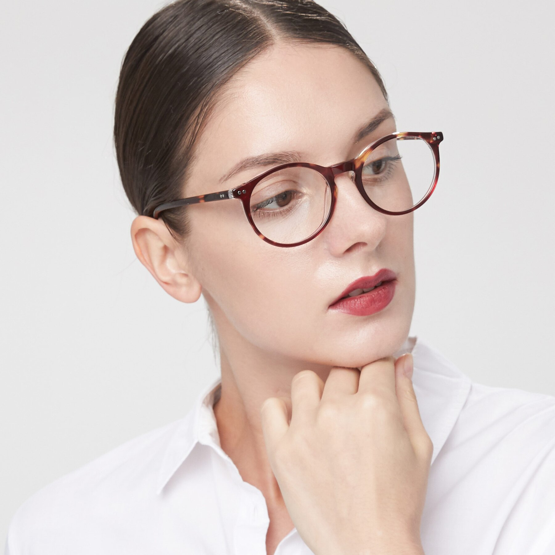 Women's lifestyle photography of Echo in Tortoise-Clear with Clear Eyeglass Lenses