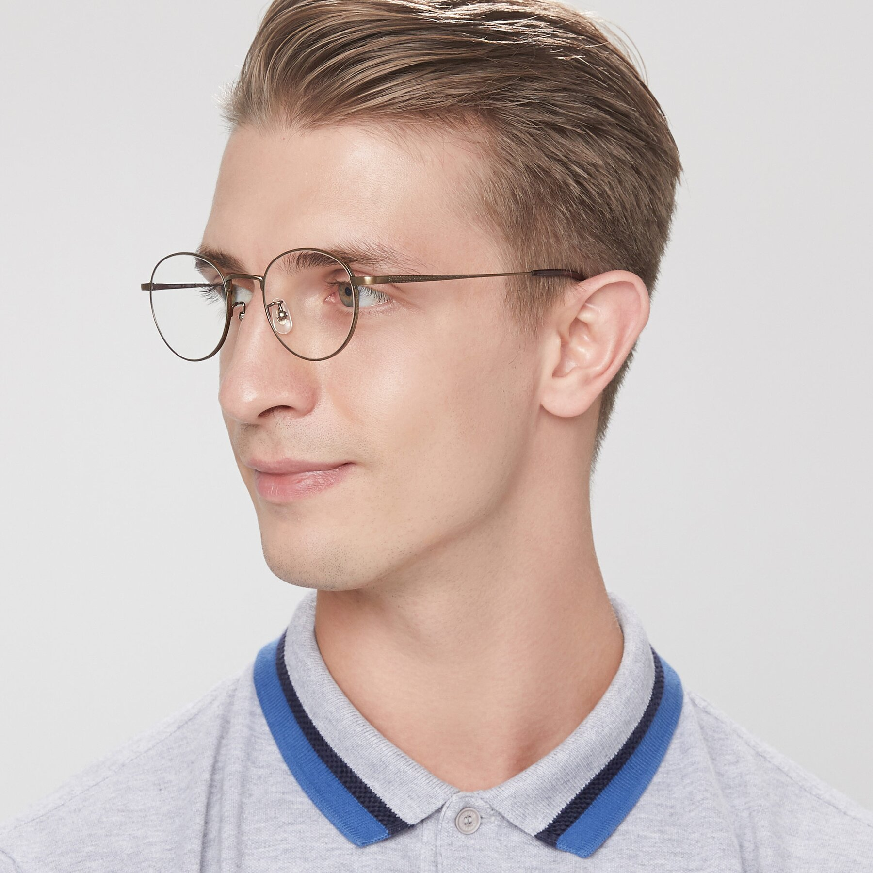 Men's lifestyle photography of Lindsey in Bronze with Clear Blue Light Blocking Lenses