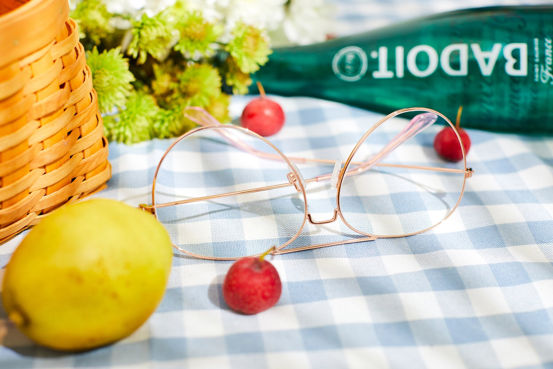 Women's lifestyle photography #2 of Paradise in Rose Glod with Clear Eyeglass Lenses