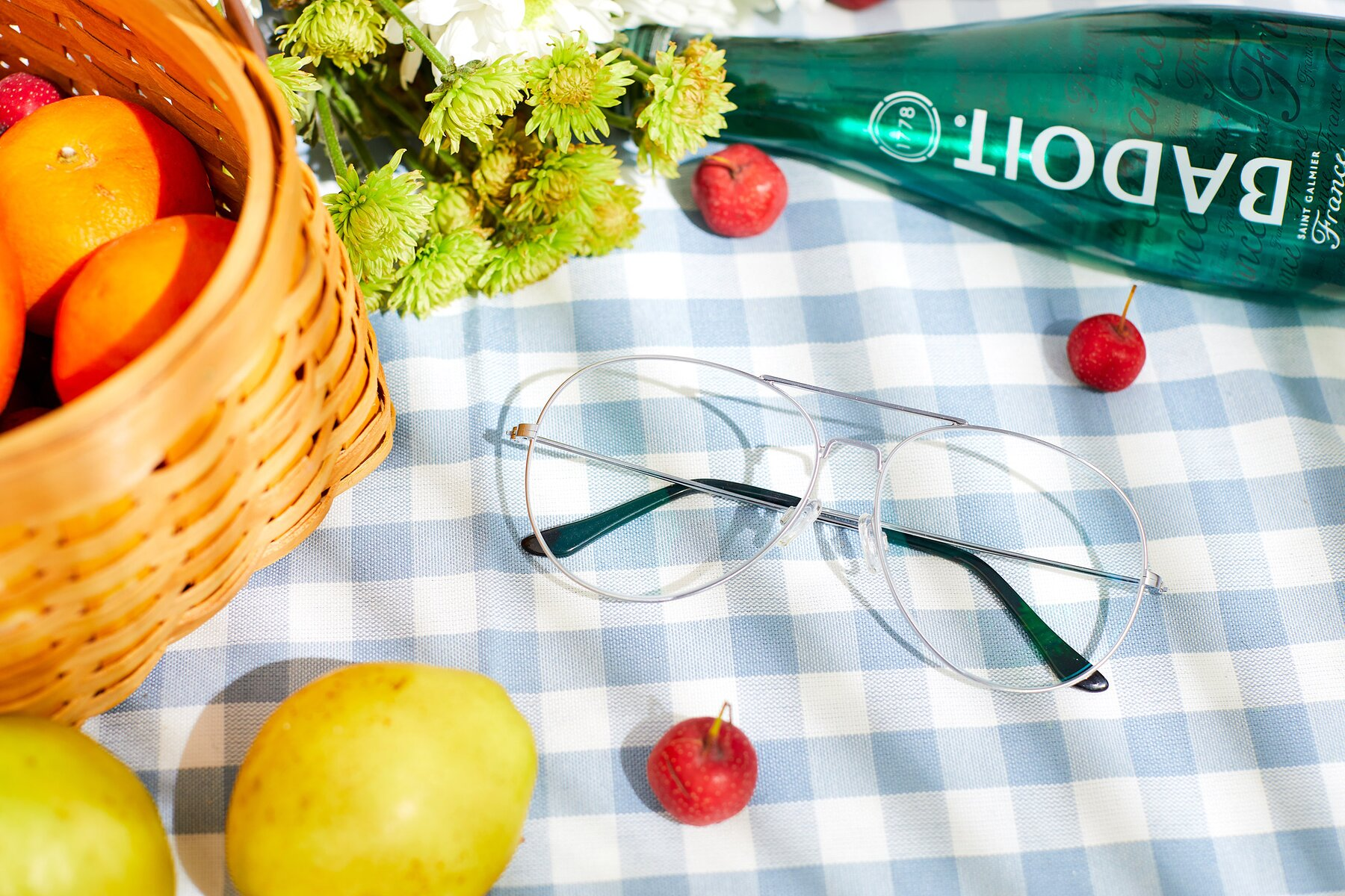 Lifestyle photography #1 of Paradise in Silver with Clear Eyeglass Lenses