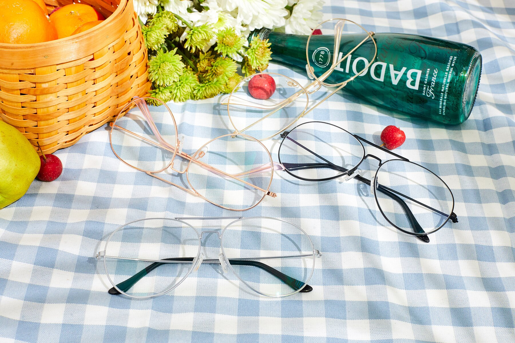 Lifestyle photography #4 of Paradise in Silver with Clear Eyeglass Lenses