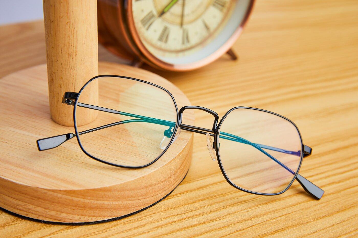 Black Narrow Metal Geometric Eyeglasses